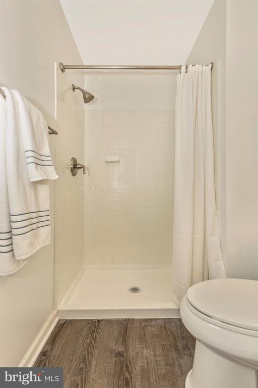 Master Bath - 18862 MCFARLIN DR, GERMANTOWN