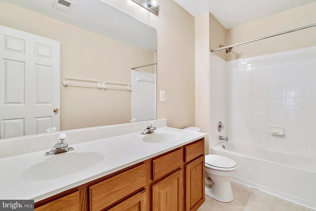 Upstairs Bathroom - 62 CHADWICK DR, STAFFORD