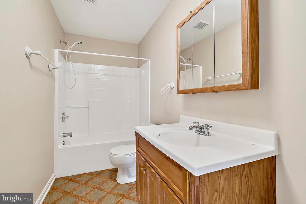 Full Basement Bathroom - 62 CHADWICK DR, STAFFORD