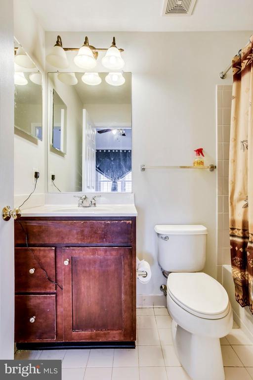 Bathroom - 25136 MONTEITH TER, CHANTILLY