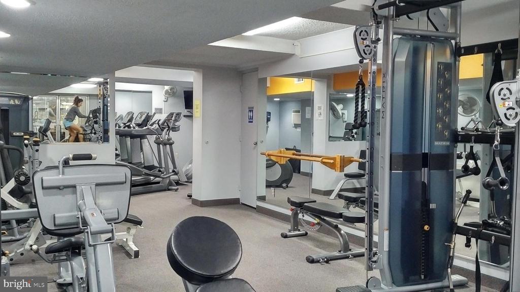 on-site fitness room - 10201 GROSVENOR PL #818, NORTH BETHESDA