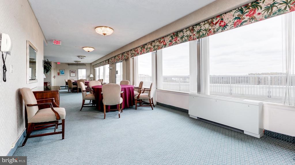 Roof Top Party Room - 10201 GROSVENOR PL #818, NORTH BETHESDA
