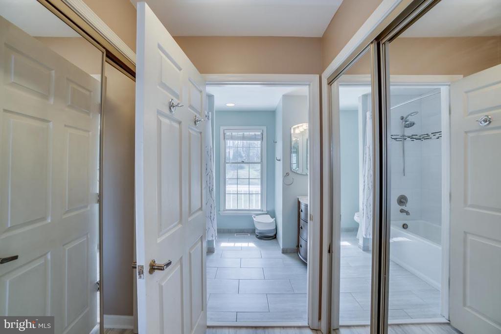 Enter luxuary master bath - 22 KELLY WAY, STAFFORD