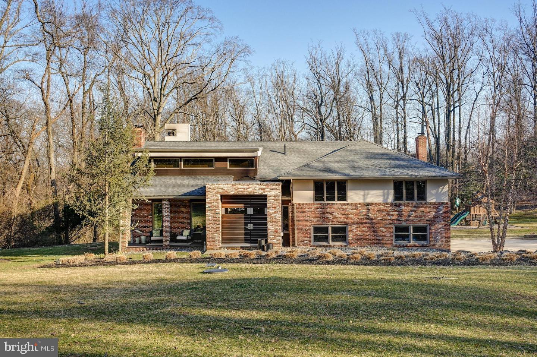 Частный односемейный дом для того Продажа на 1127 WINDING Drive Cherry Hill, Нью-Джерси 08003 Соединенные Штаты