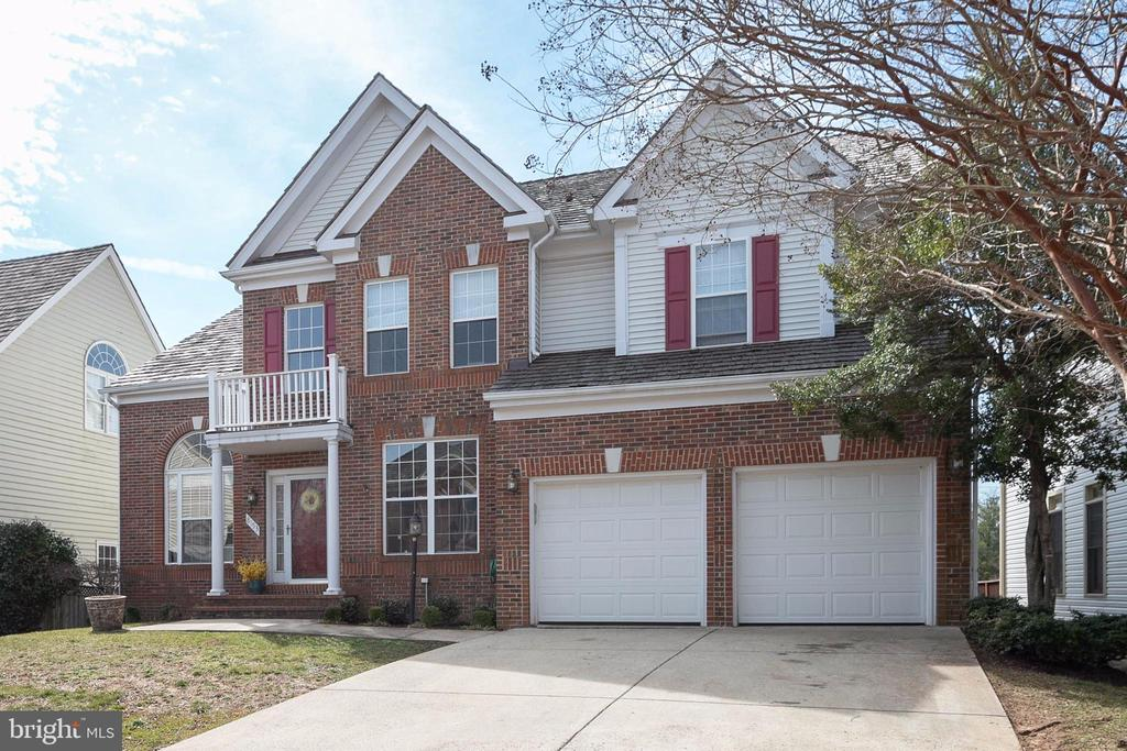 Wonderful home close to Metro & great schools. - 8153 SILVERBERRY WAY, VIENNA