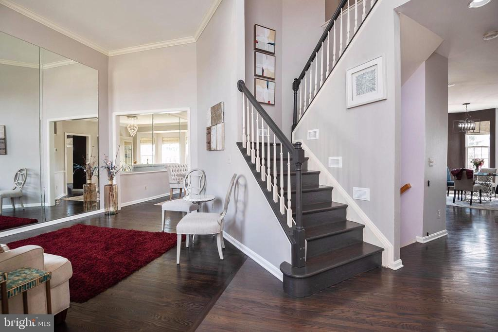 2 Story foyer entrance - 8153 SILVERBERRY WAY, VIENNA