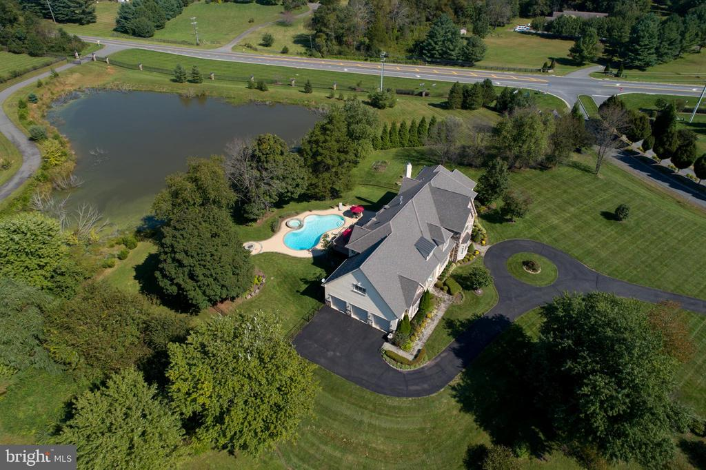 Drone - Side View With Pond View - 41244 GRENATA PRESERVE PL, LEESBURG
