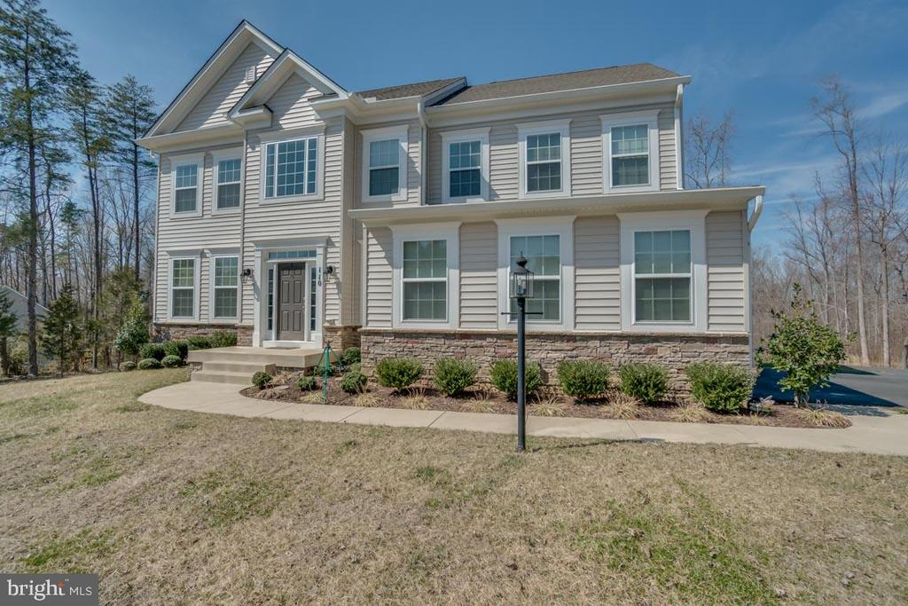 Welcome Home - 110 COTTAGE OAK DR, STAFFORD
