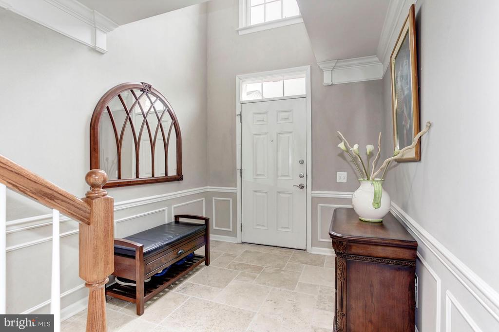 Two story Hallway - Spacious and filled with light - 6393 HAWK VIEW LN, ALEXANDRIA