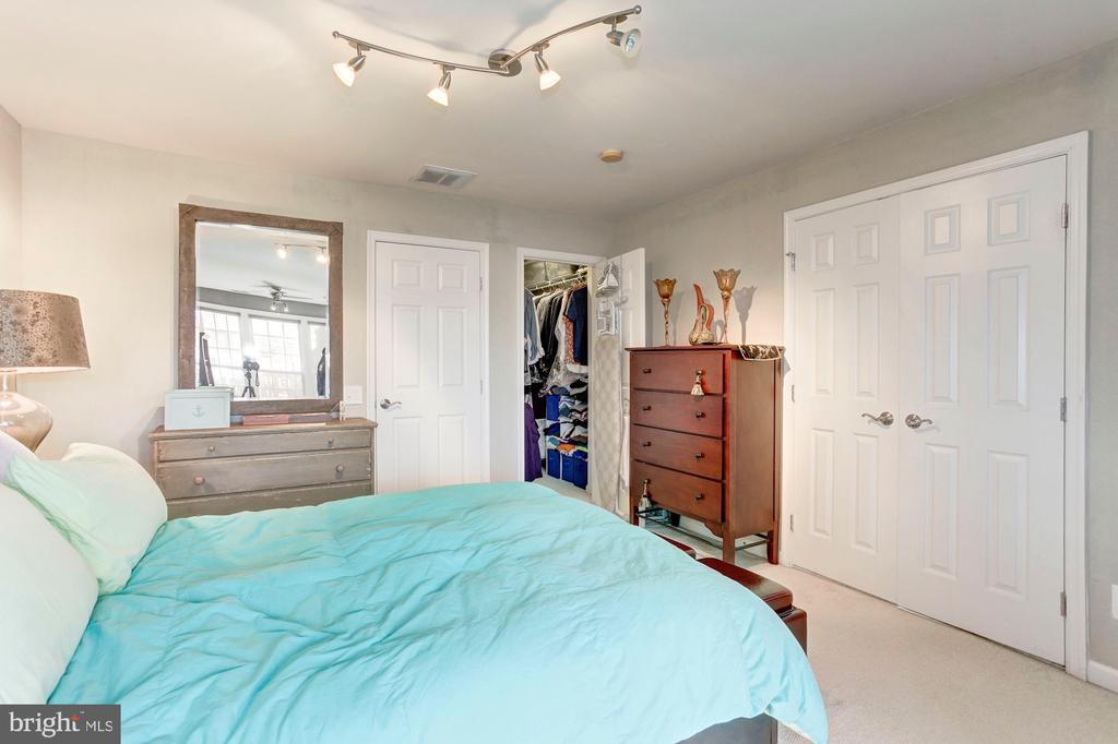 Plenty of large closet space throughtout the house - 6393 HAWK VIEW LN, ALEXANDRIA
