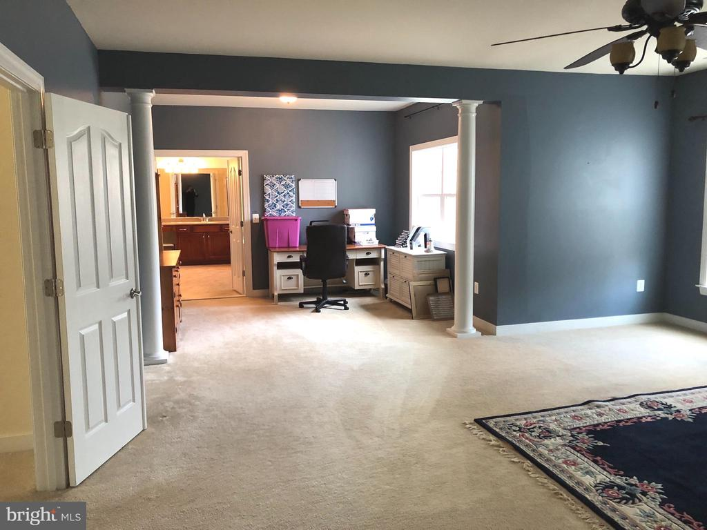 Master suite. - 6 SCARLET FLAX CT, STAFFORD