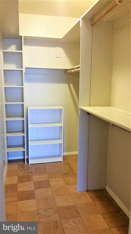 Walk-In Closet - 2755 ORDWAY ST NW #207, WASHINGTON