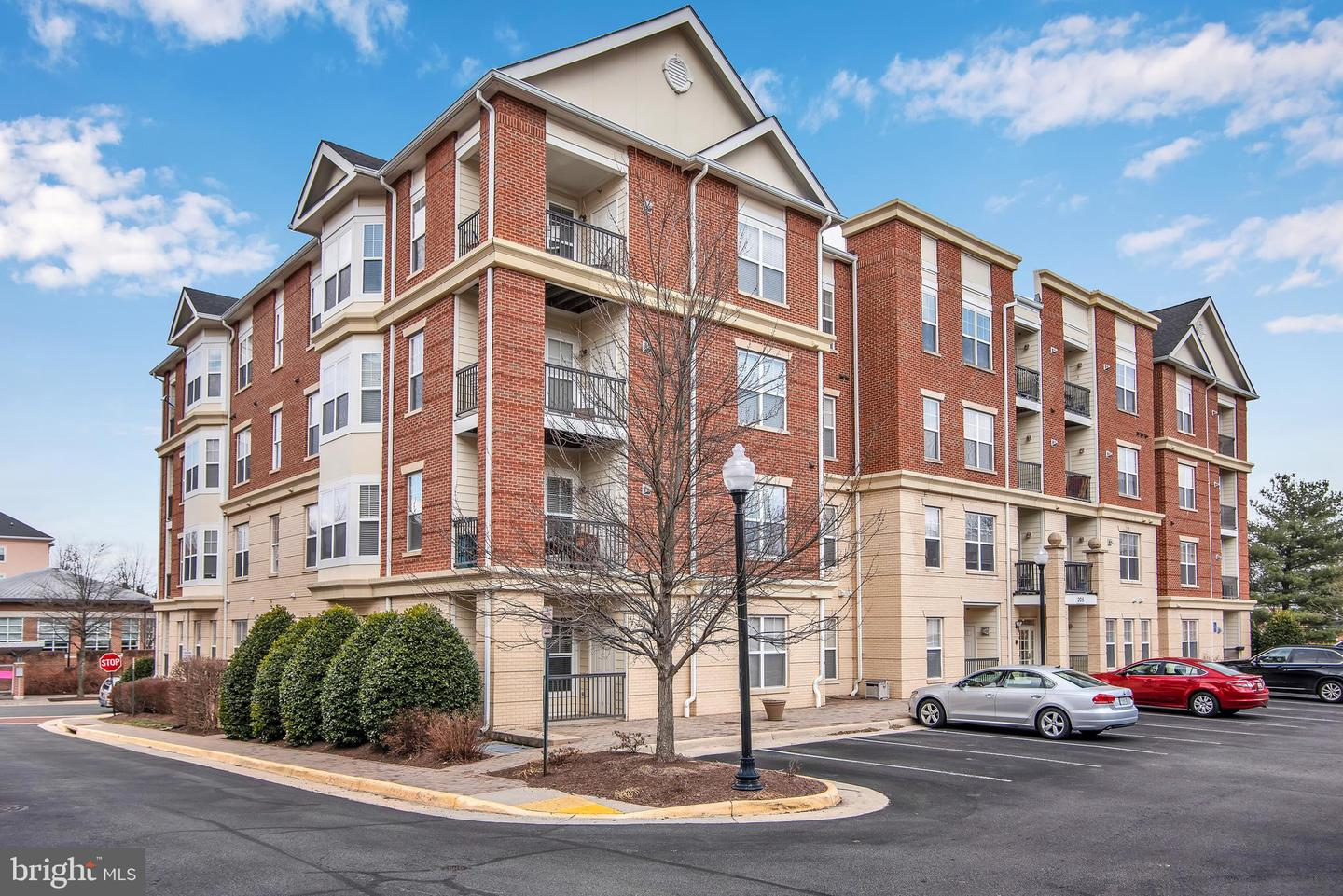 Single Family for Sale at 205 Meeting House Station Sq #108 Herndon, Virginia 20170 United States