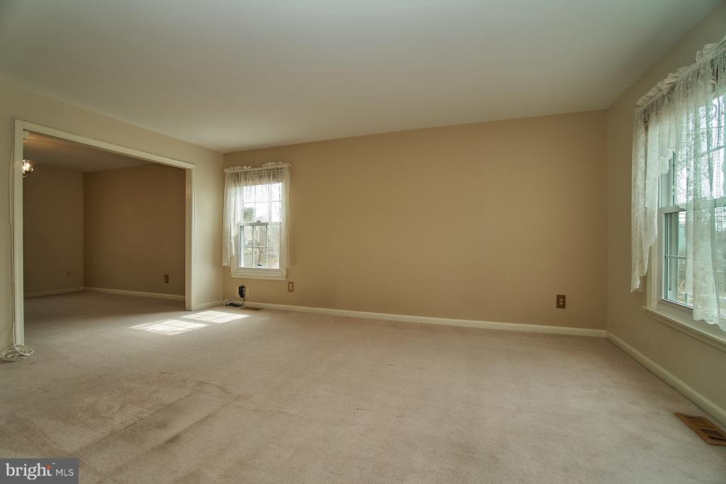 Living Room - 5537 BELLE POND DR, CENTREVILLE
