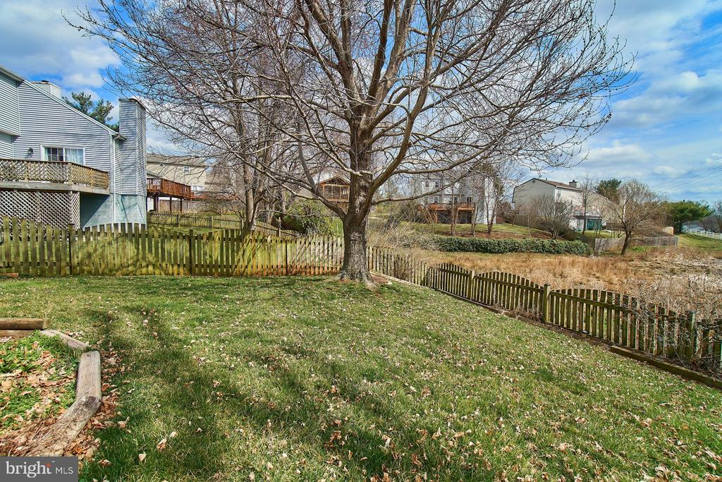 Fenced Rear Yard - 5537 BELLE POND DR, CENTREVILLE