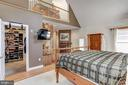 Master suite with loft - 6910 SCENIC POINTE PL, MANASSAS