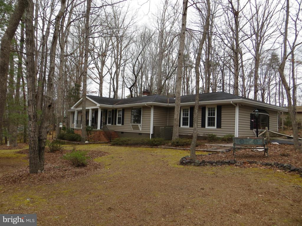 Expansive One Level Living - 200 HAPPY CREEK RD, LOCUST GROVE