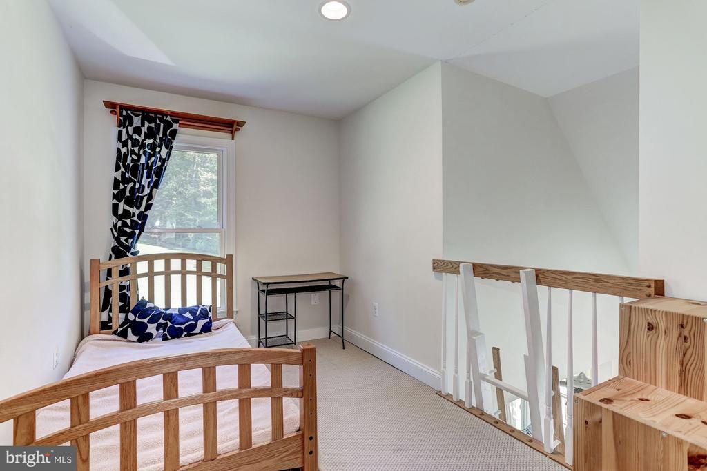 Loft for bedroom suite 2 - 6910 SCENIC POINTE PL, MANASSAS