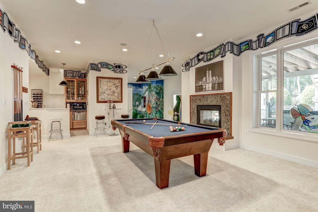 Basement rec area with 10~ Ceilings - 6910 SCENIC POINTE PL, MANASSAS