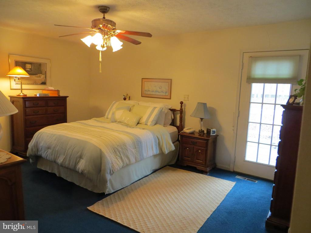 Master Bedroom - 200 HAPPY CREEK RD, LOCUST GROVE