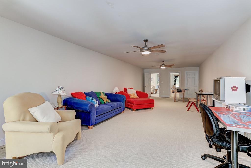 Upper level Recreation room - 6910 SCENIC POINTE PL, MANASSAS