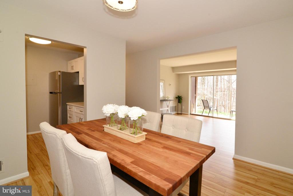 Dining Room with View to Living Room. - 11623 VANTAGE HILL RD #1A, RESTON