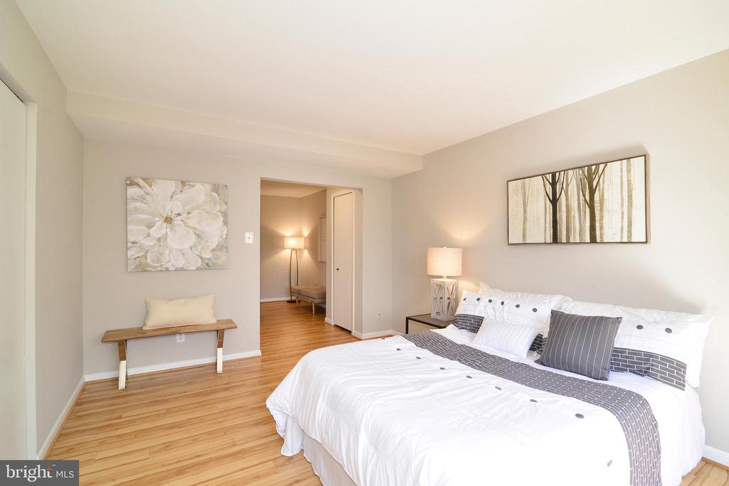 Master Bedroom with View of Sitting Room. - 11623 VANTAGE HILL RD #1A, RESTON