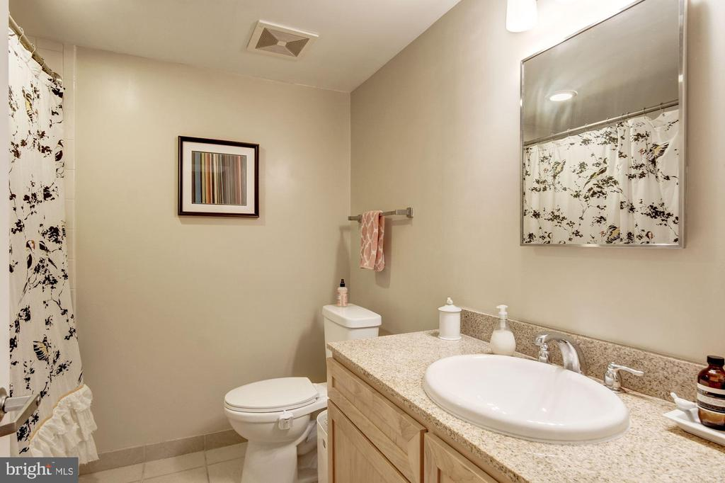 Second bath with tub and great storage. - 1150 K ST NW #309, WASHINGTON