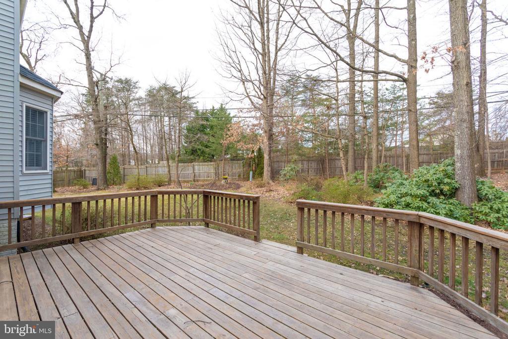Backyard deck  from family room/tree view - 6536 NOVAK WOODS CT, BURKE