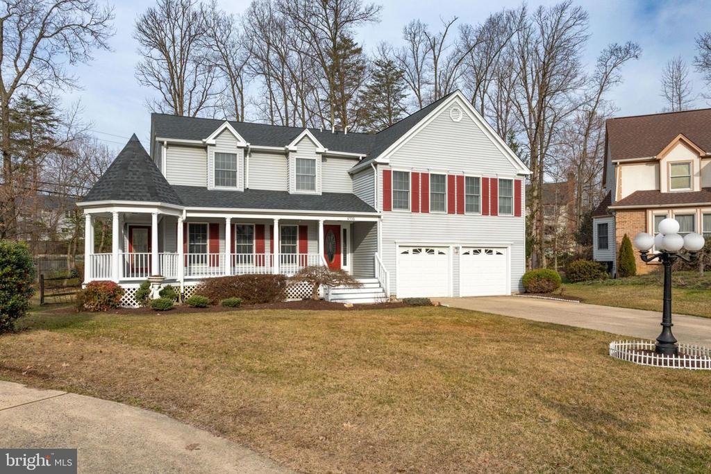 Original owner well maintained/Renovated Home. - 6536 NOVAK WOODS CT, BURKE