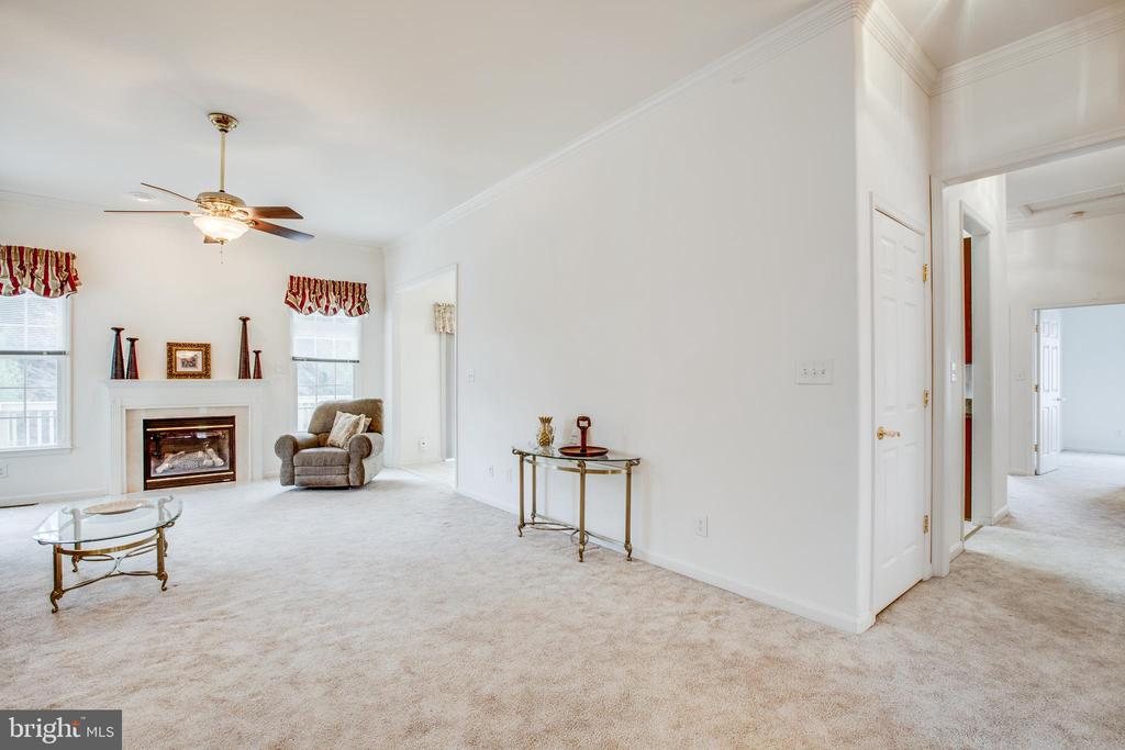 Tall Ceilings Throughout - 11303 MANSFIELD CLUB DR, FREDERICKSBURG