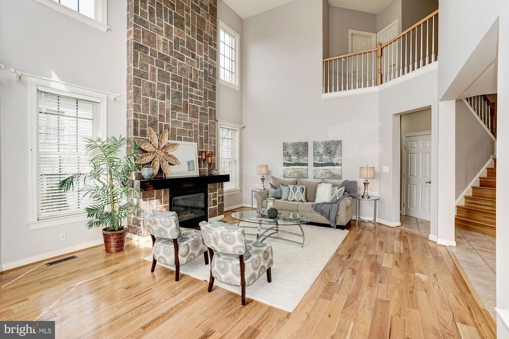 Floor to ceiling stone fireplace - 10093 JOHN MASON PL, FAIRFAX