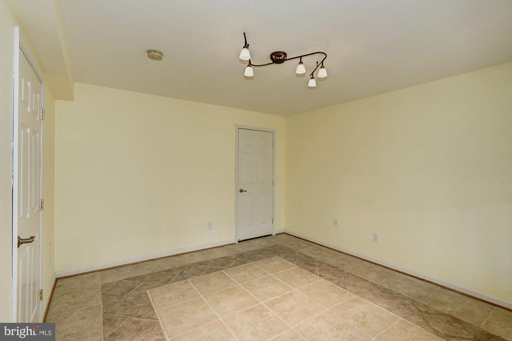 Lower Level Bedroom5 - 10093 JOHN MASON PL, FAIRFAX
