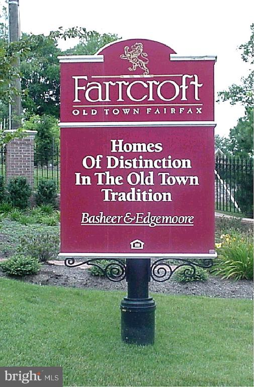 Farrcroft - Entry Sign - 10093 JOHN MASON PL, FAIRFAX