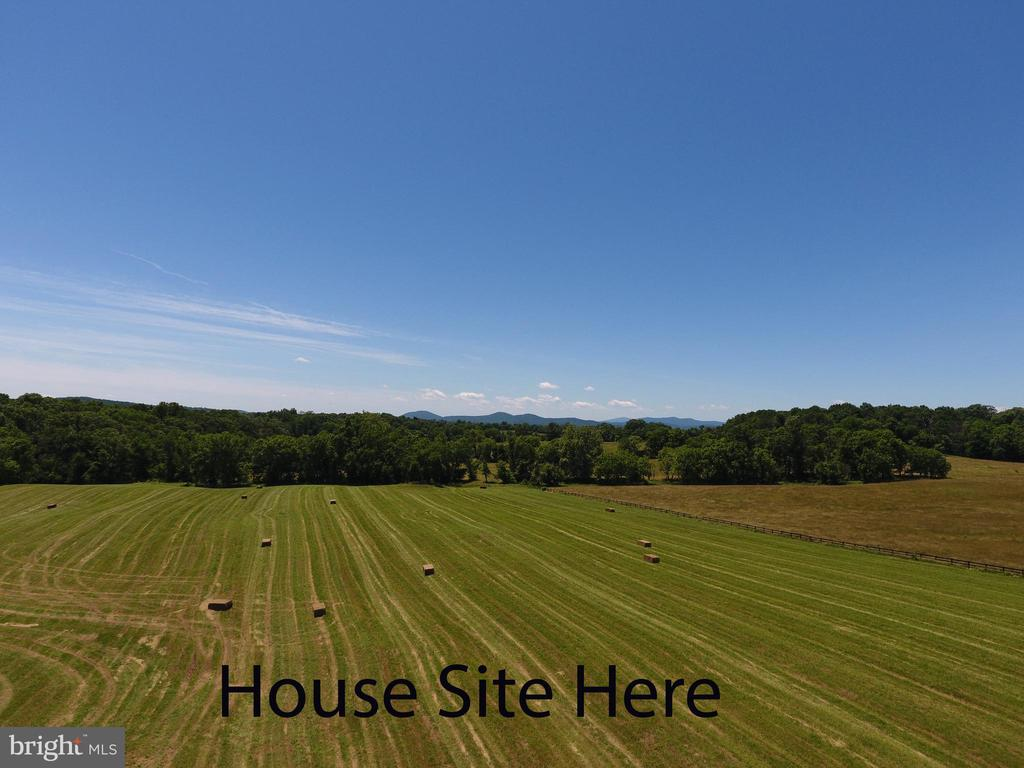 8101  OLD CARTERS MILL, Marshall in FAUQUIER County, VA 20115 Home for Sale