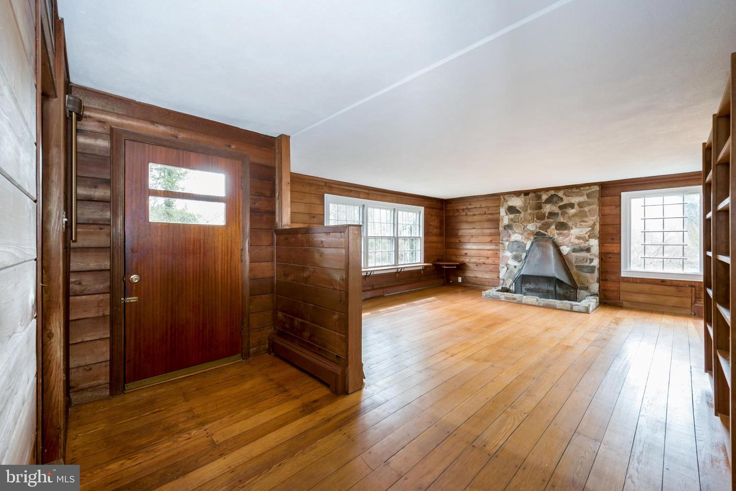 Additional photo for property listing at 2721 MAIN Street  Lawrenceville, New Jersey 08648 United States