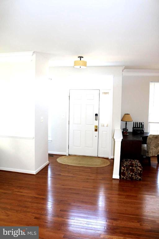 Entryway - 42713 CENTER ST, CHANTILLY