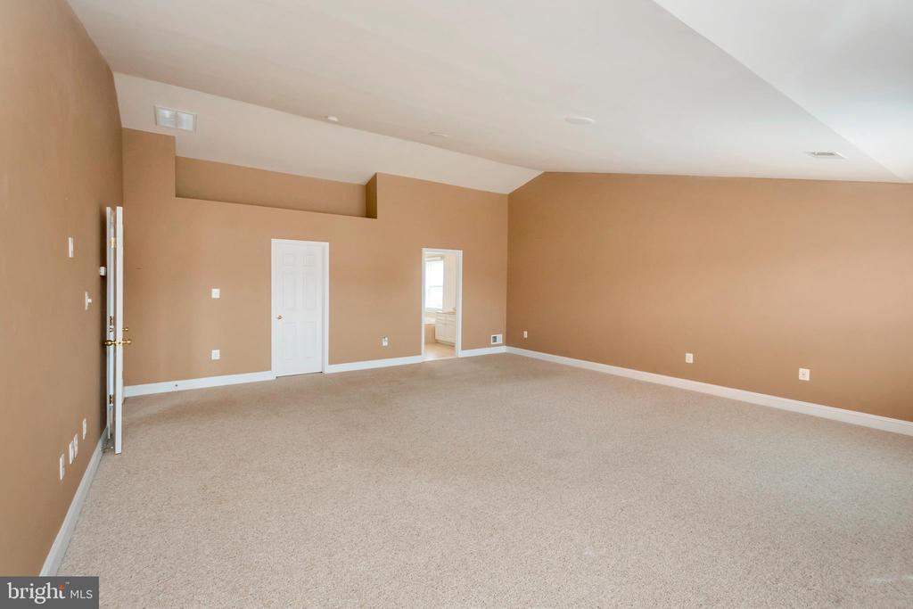 Master Bedroom - 5507 SILVER MAPLE LN, FREDERICKSBURG