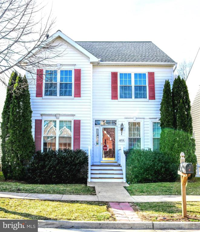 Welcome Home - 42713 CENTER ST, CHANTILLY