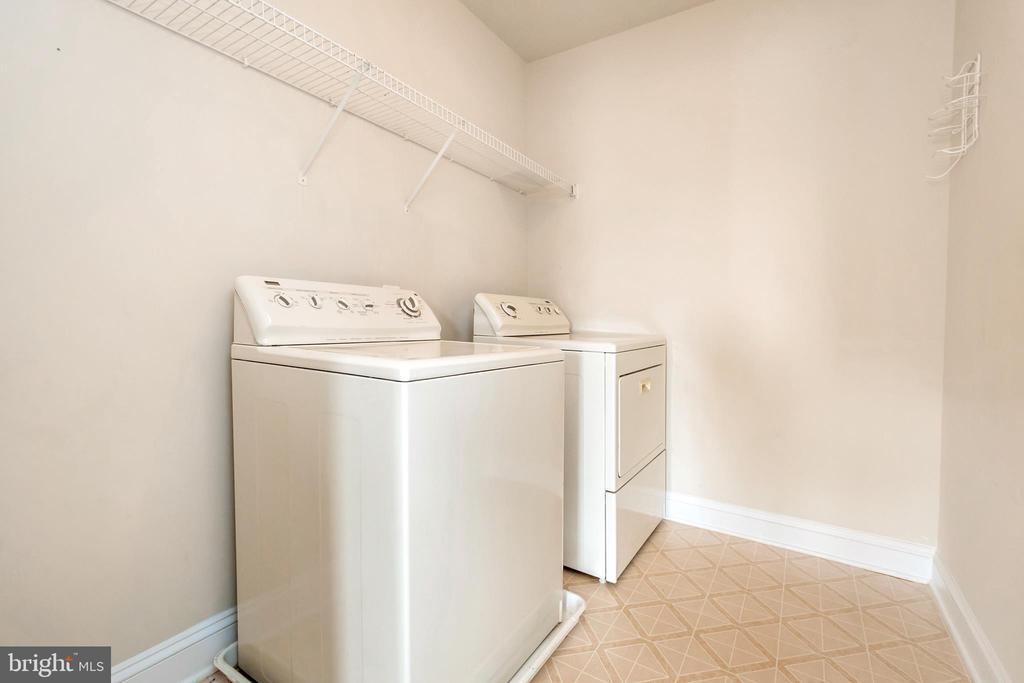 upstairs laundry room - 5507 SILVER MAPLE LN, FREDERICKSBURG