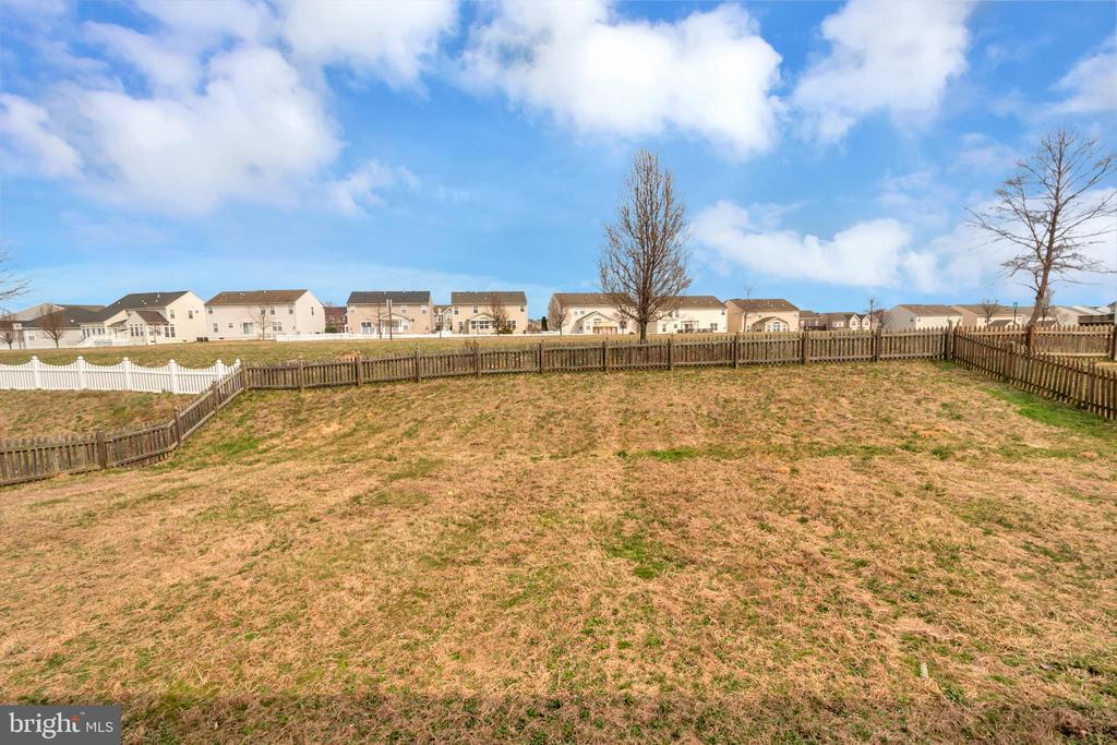 Fenced in backyard - 5507 SILVER MAPLE LN, FREDERICKSBURG