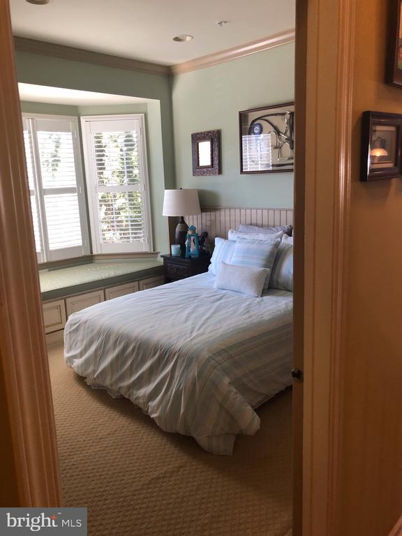 Main Floor Bedroom - 4204 ROLLING PADDOCK DR, UPPER MARLBORO