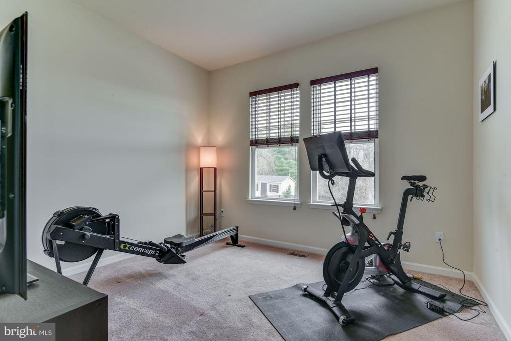 Office / Exercise room main level - 1006 HUNTERS KNL, MYERSVILLE