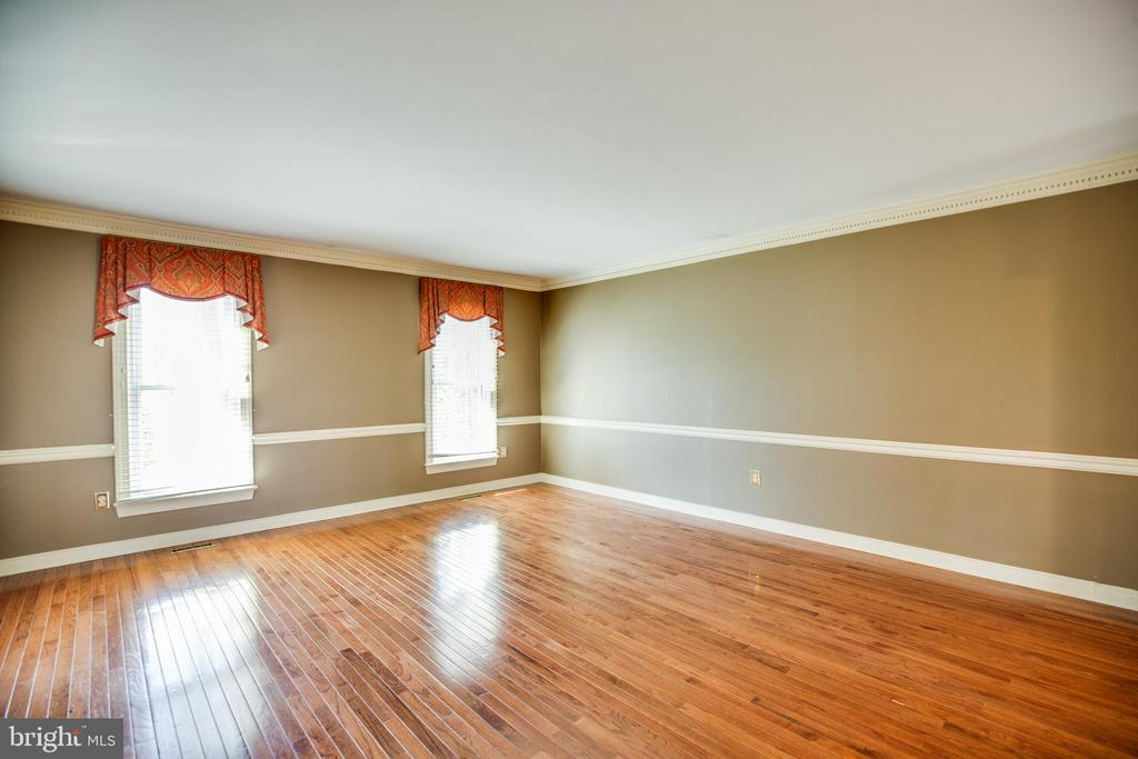 Potential for Main level bedroom! - 609 LANCASTER ST, FREDERICKSBURG
