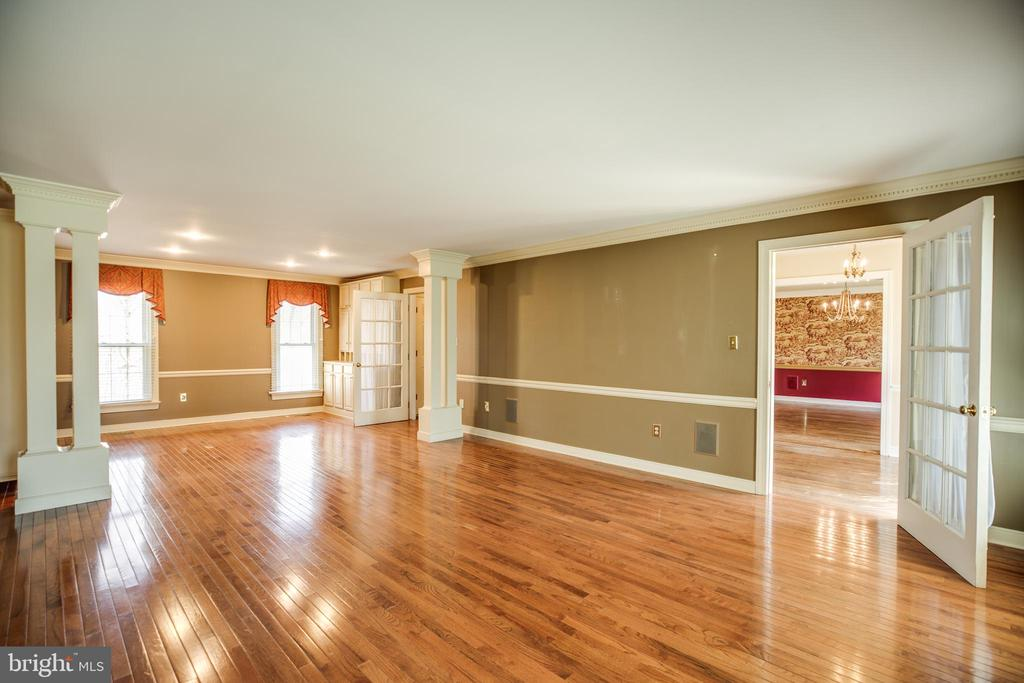 Huge living room and/or office or bedroom - 609 LANCASTER ST, FREDERICKSBURG