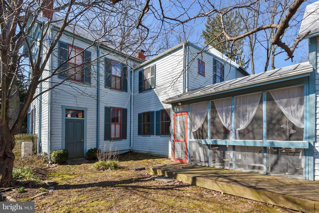 Screened Porch Opens to  Fenced Yard - 223 W MONTGOMERY AVE, ROCKVILLE