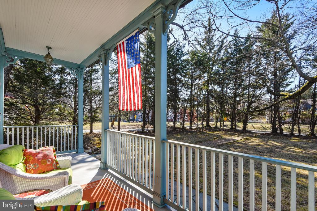 Front Porch View - 223 W MONTGOMERY AVE, ROCKVILLE