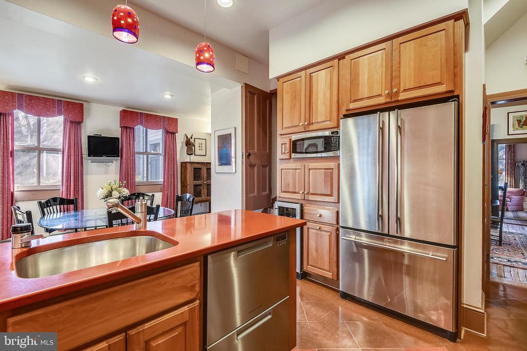 Gourmet Kitchen Features Viking Hood - 223 W MONTGOMERY AVE, ROCKVILLE