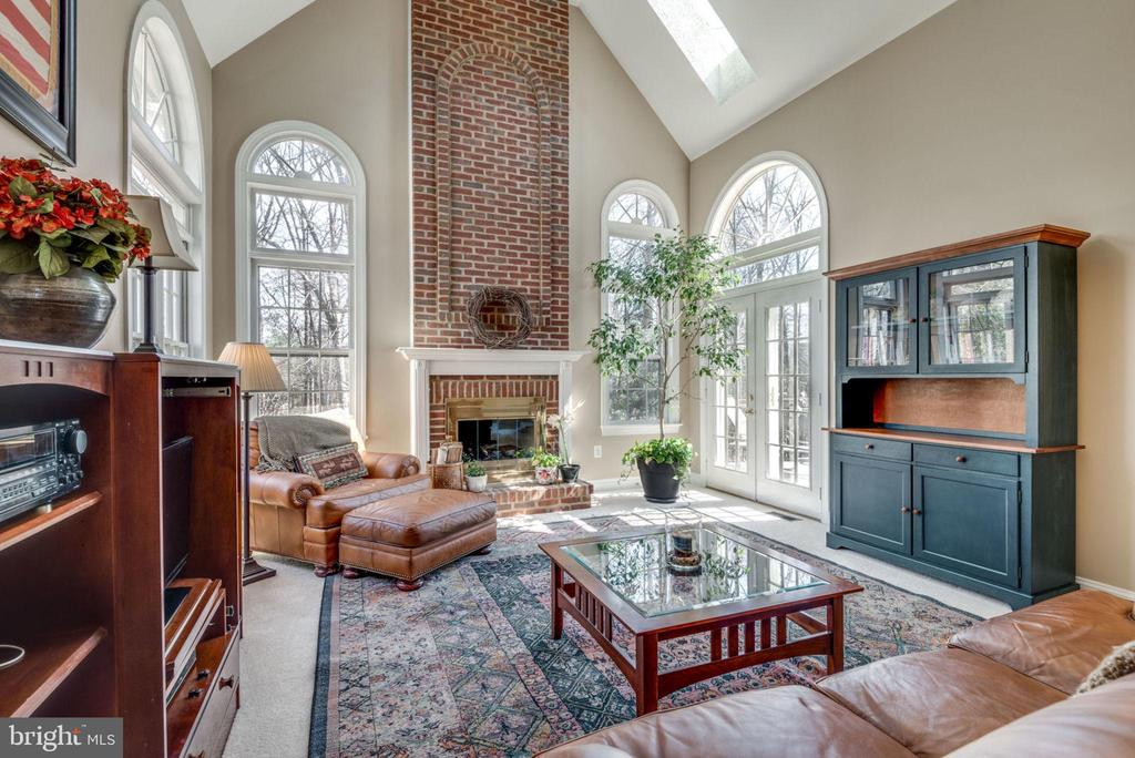 Family room is huge with 2 story ceilings - 11261 CENTER HARBOR RD, RESTON