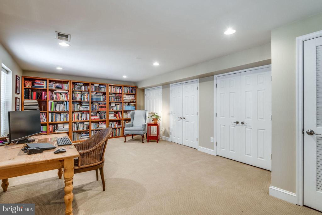 Need a second home office or another bedroom? - 11261 CENTER HARBOR RD, RESTON